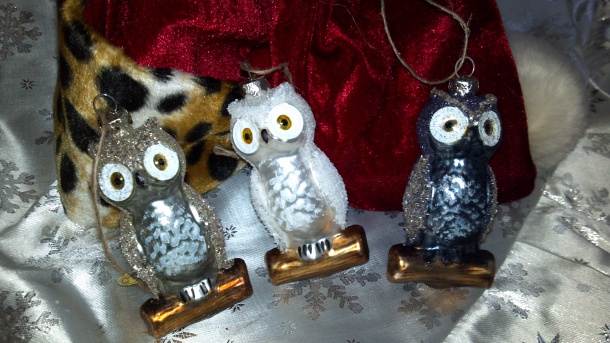 Hoot!  New owls!  Also from Madam Insomniac's shoppe.
